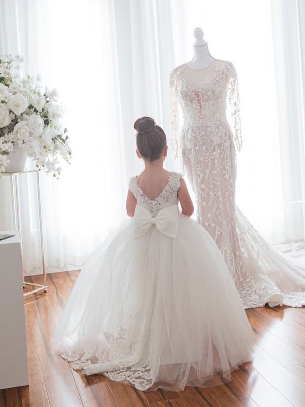 Ball Gown Chapel Train Long Ivory Lace & Tulle Flower Girl Dress for Sale